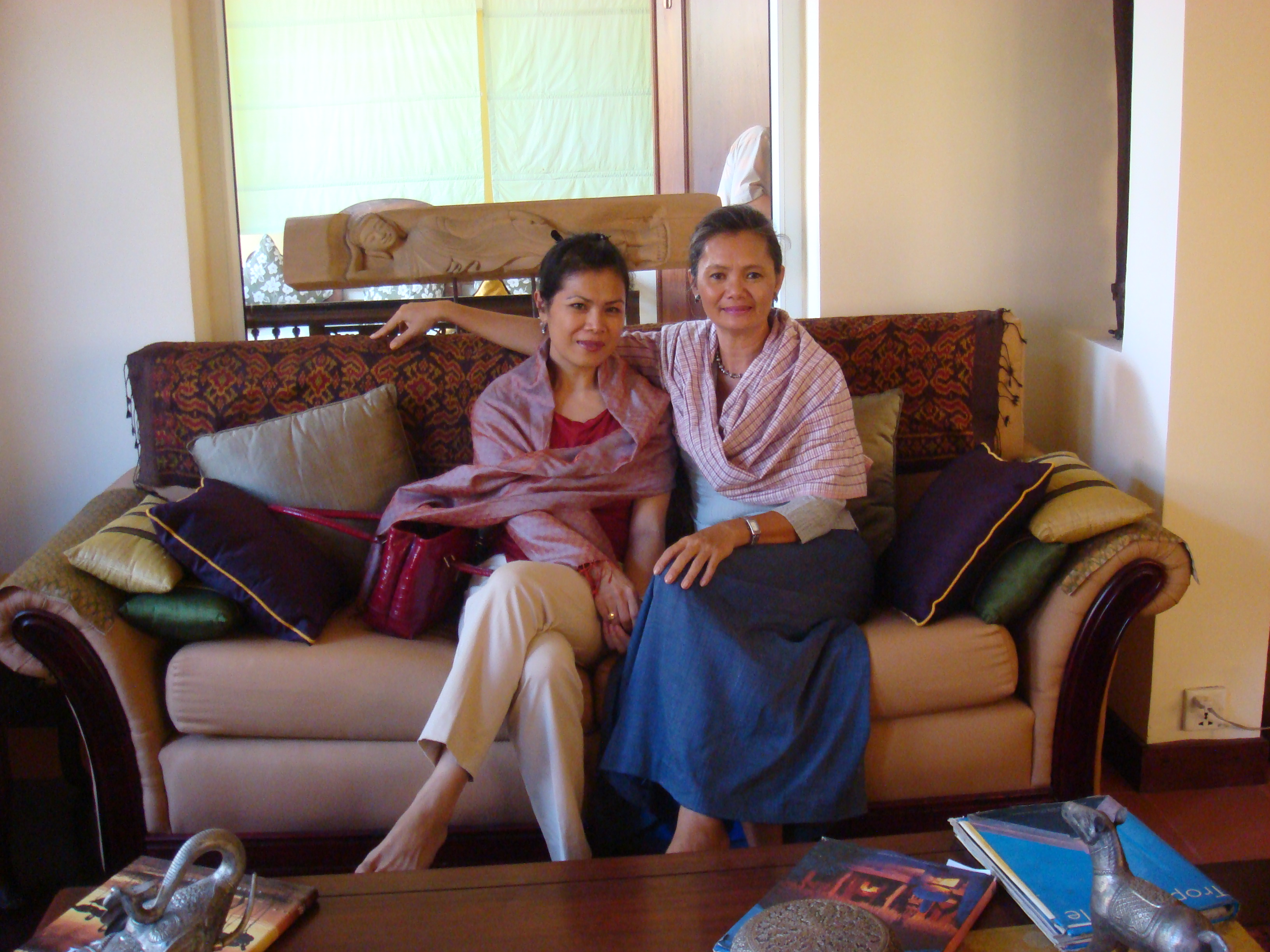 Theary Seng with Mu Sochua in her elegant home, all wrapped up in signature Khmer silk kramas (7 July 2010)