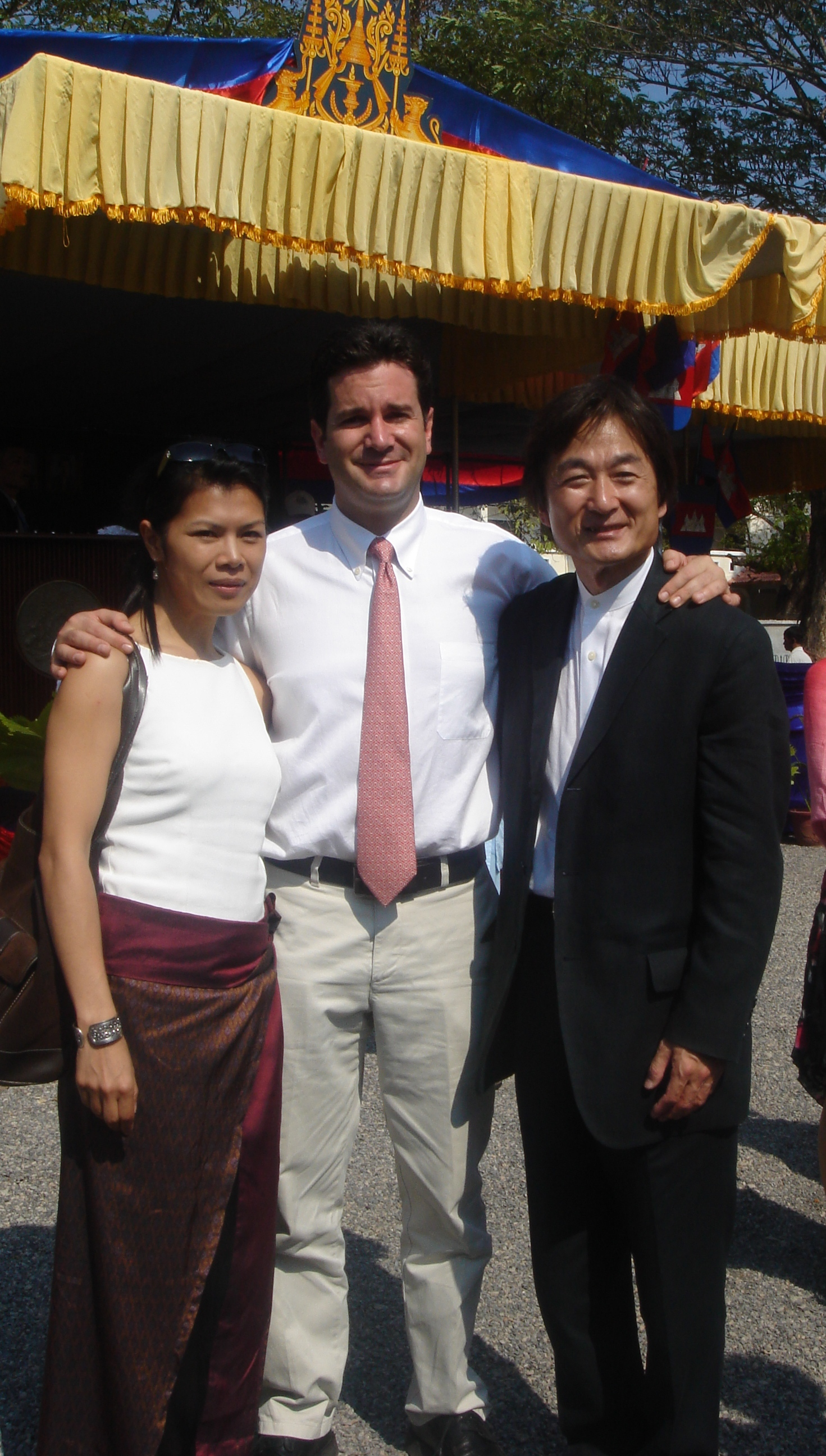 Theary Seng with Chris Stamos and photographer Kenro Izu, founder of Angkor Hospital for Children, inauguration of new building, 2006