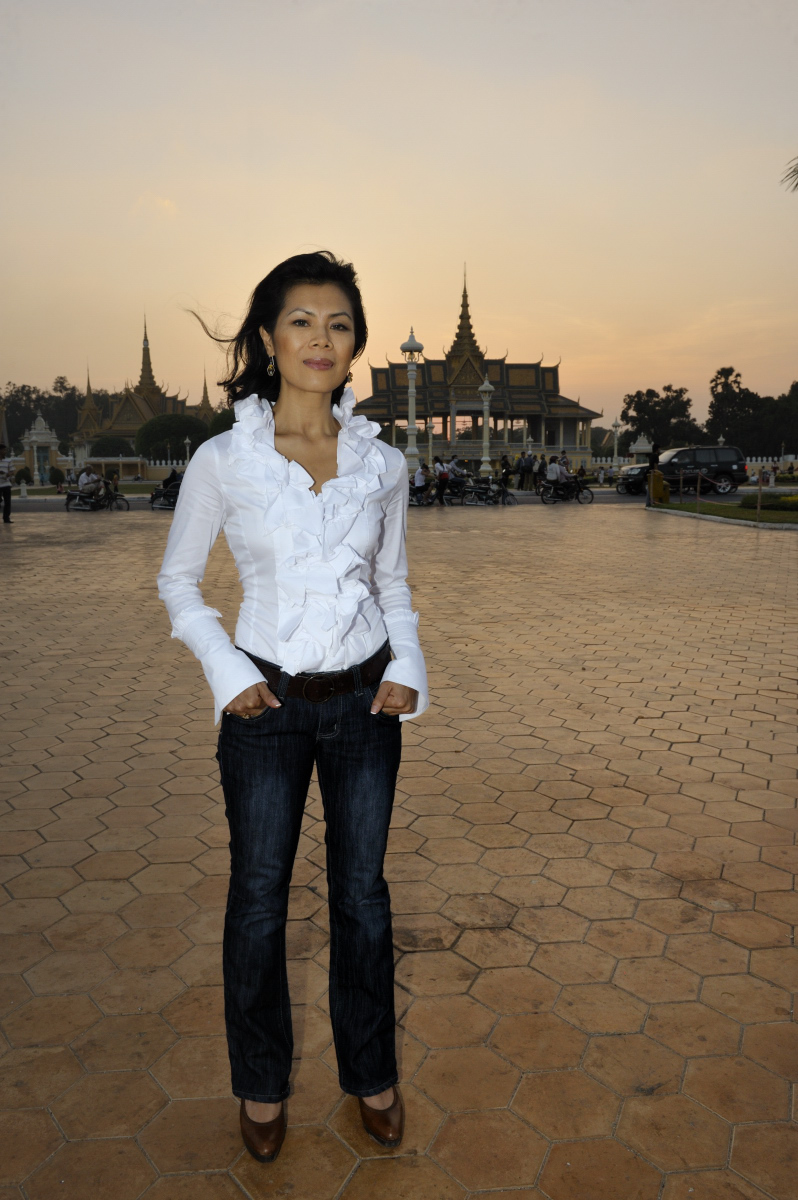 Theary Seng in front of Palace at sunset, Dec. 2009